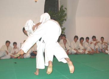 Due allievi di judo del maestro Sergio Olivieri durante la dimostrazione (Foto: Cat. Fa.)