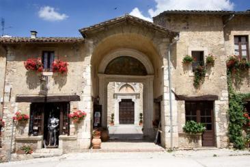 Tour virtuale nell 39 abbazia di farfa for Costruttore di case da sogno virtuale