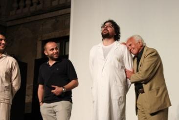 Nella foto (da sinistra): l'attore Claudio Rotunno, il vice sindaco Davide Santonastaso, il regista e attore Ercole Ammiraglia e l'attore Paolo Ferrari (Foto: g.m.t.)