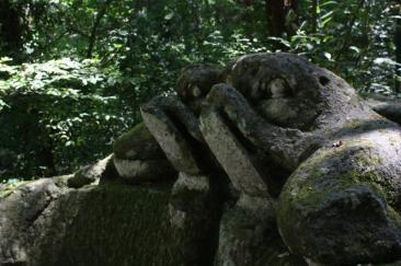 Nella foto di home page: panorama di Civita di Bagnoregio - Nella foto interna: il Parco dei Mostri di Bormarzo (Foto di Samantha Pacolini)