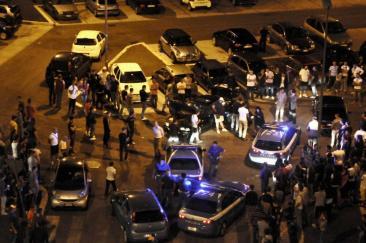 Roma - Anagnina luogo del raduno di appassionati di tuning e drifting - blitz della polizia (Foto di Chiara Rossi)