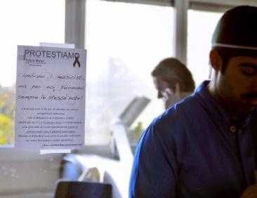 La protesta dei medici e dipendenti della Fabia Mater (Fotoreportage di Chiara Rossi)