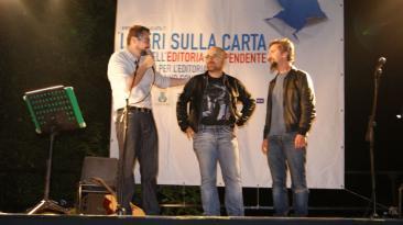 Nella foto: Ascanio Celesini ed Alessio Lega tra i protagonisti della scorsa edizione insieme al direttore artistico Fabrizio Moscato.
