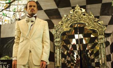 Onore a un grande Heath Ledger, scomparso troppo presto ed entrato nella leggenda...