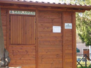 Il punto inormativo turistico della Pro Loco di Fara in Sabina. (Foto: La. Ber.)
