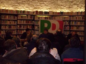 Immagine dell'incontro organizzato dl Pd per l'apertura della campagna elettorale per le elezioni regionali del 28 e 29 marzo 2010 (Foto. la. ber.)