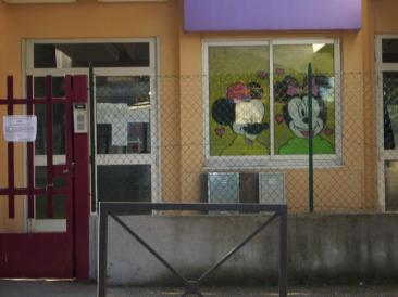 Immagine della scuola dell'infanzia di Passo Corese, chiusa da questa mattina in seguito alle disposizioni della Asl. (Foto. La. Ber.)